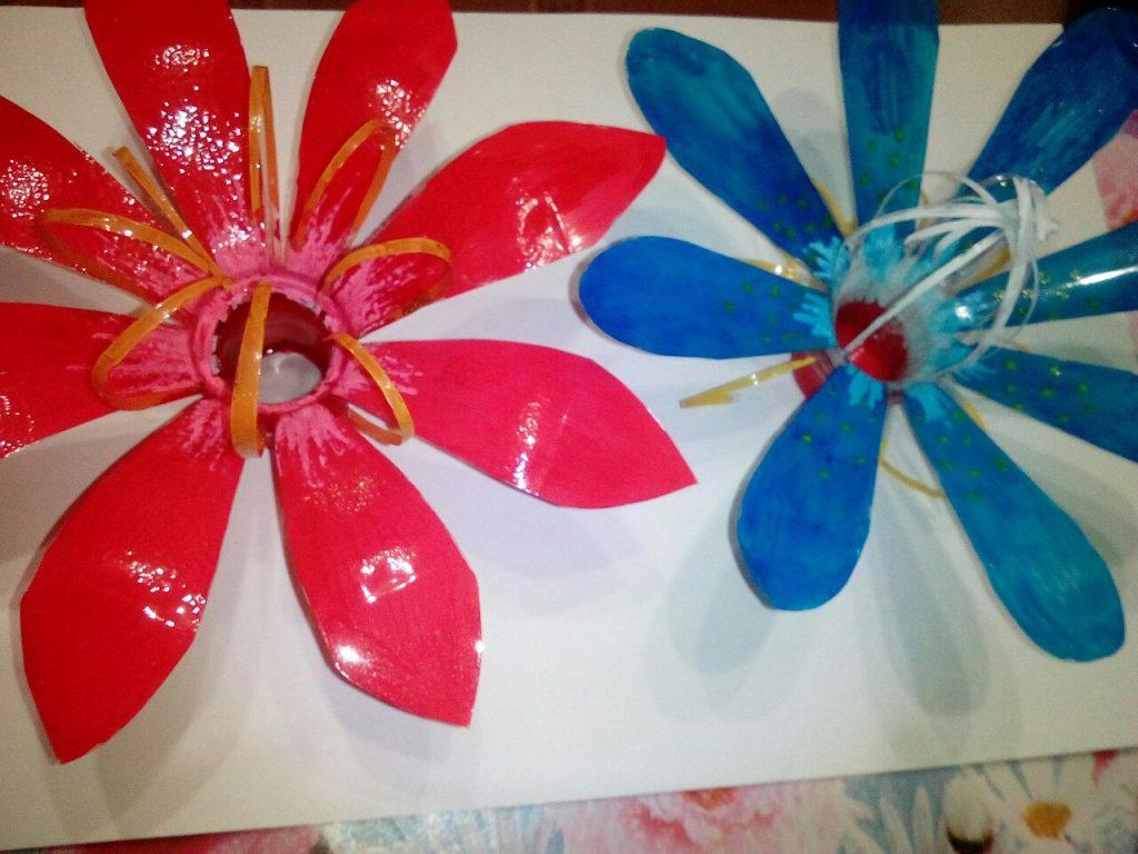 Как сделать цветы из пластика