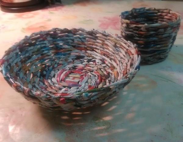 Как правильно крутить трубочки для плетения из газет