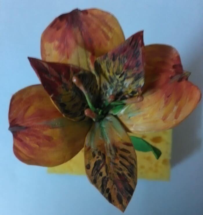 Цветок альстремерии из фоамирана