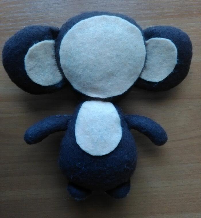 Игрушка из войлочной ткани Чебурашка