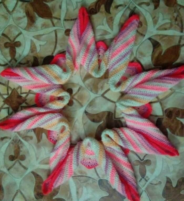 Подушка крючком цветок
