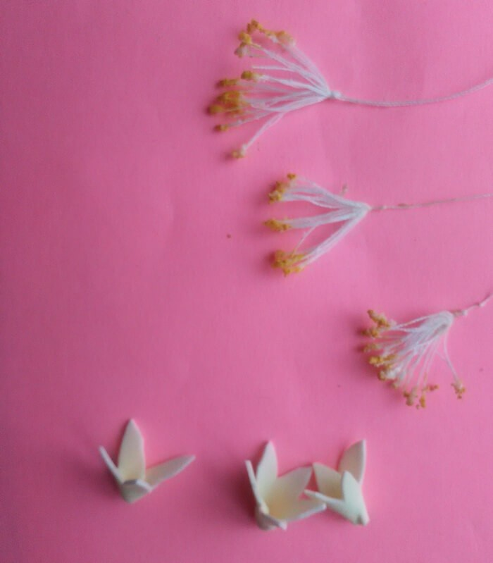 Цветок жасмина из фоамирана для прически