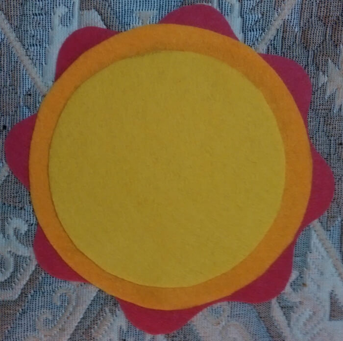 Мягкая игрушка Солнышко из фетра