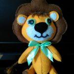 Игрушка из фетра львёнок