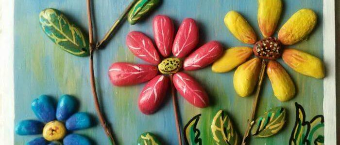 Картина для интерьера цветы из камешков