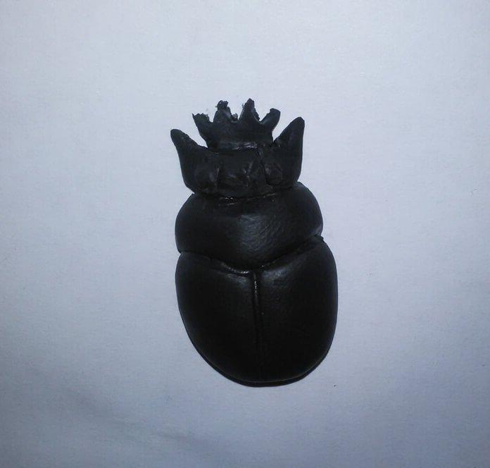 Кулон из полимерной глины жук скарабей