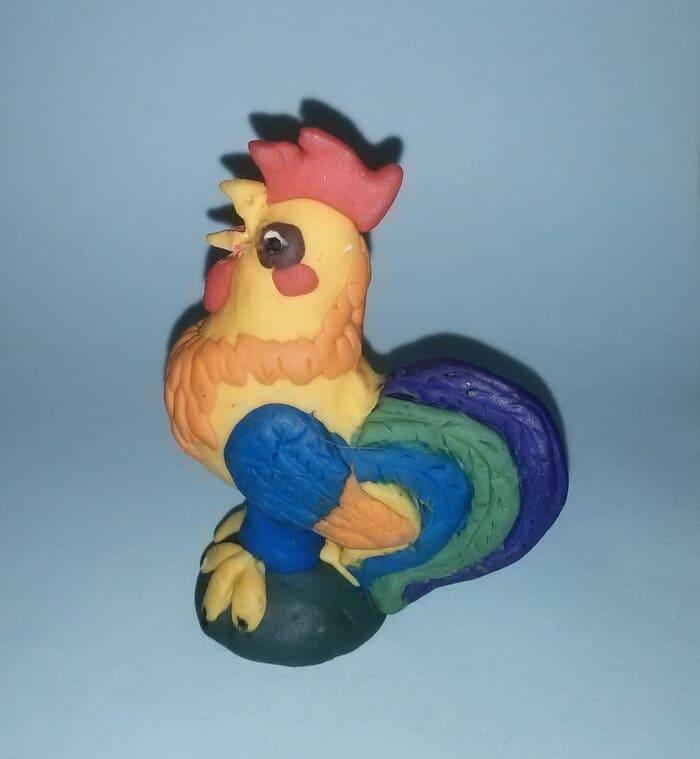 Новогодняя игрушка петушок из полимерной глины