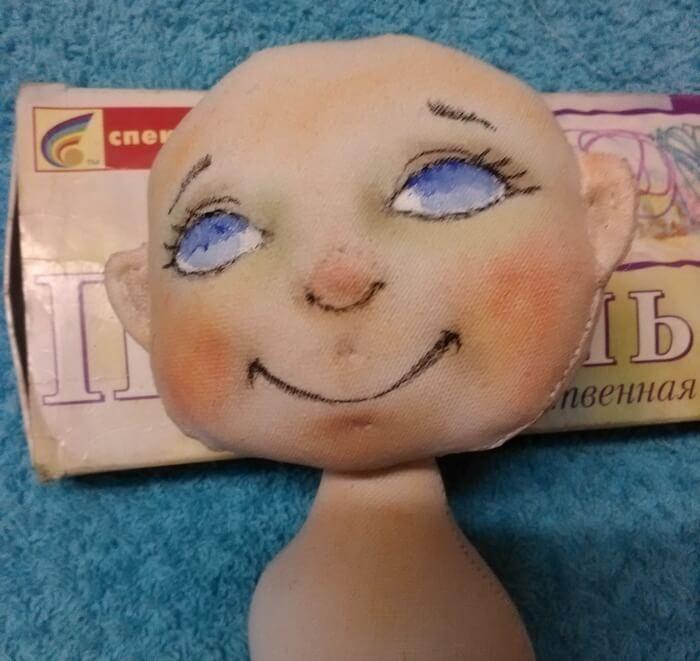 Игрушка для мальчика в подарок. Текстильная кукла.Выкройка куклы из ткани.