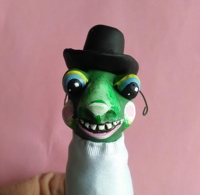 Забавная игрушка из глины и ткани. Полимерная игрушка. Своими руками.